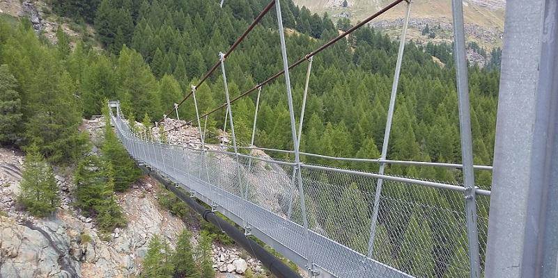 Más puentes que zanjas